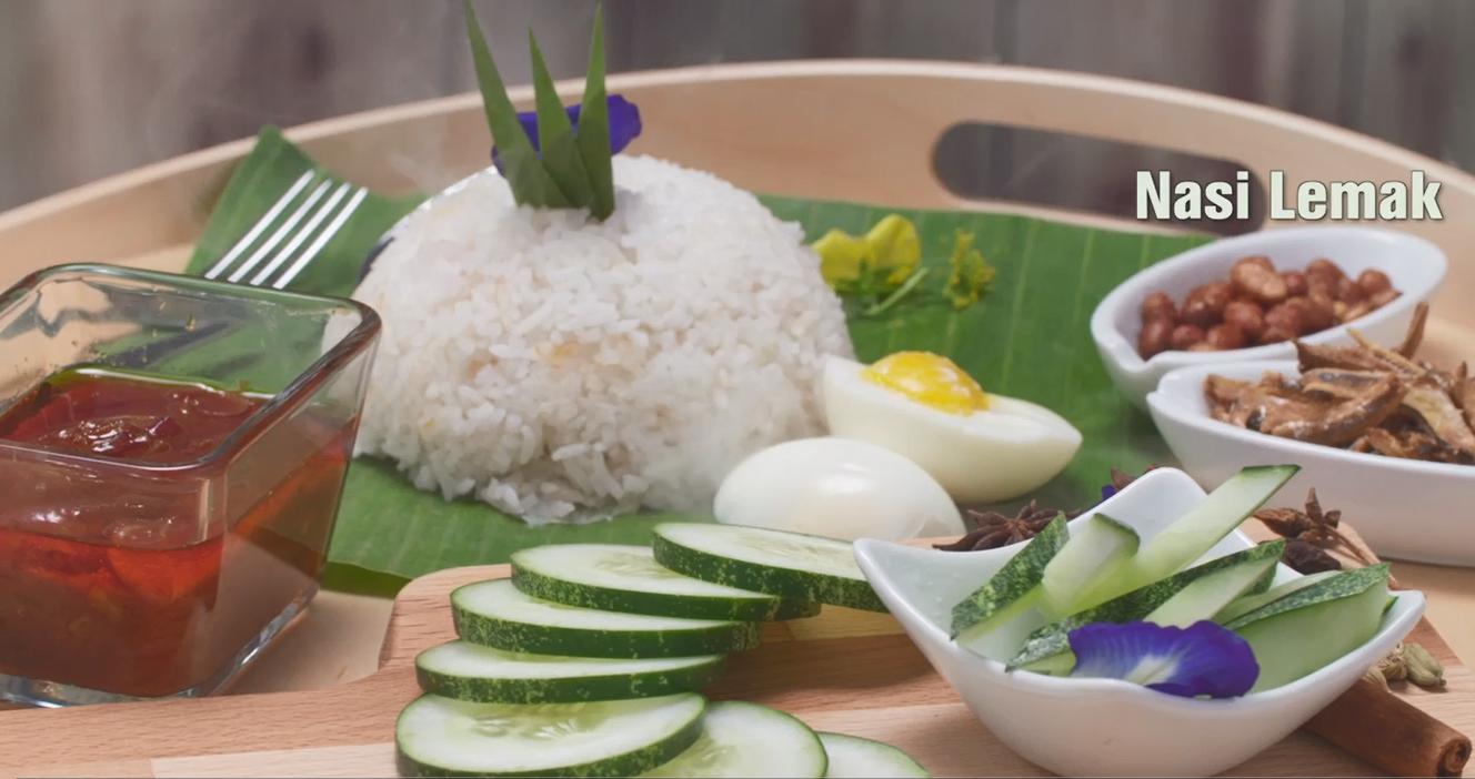 malaysian nasi lemak 马来西亚传统椰浆饭